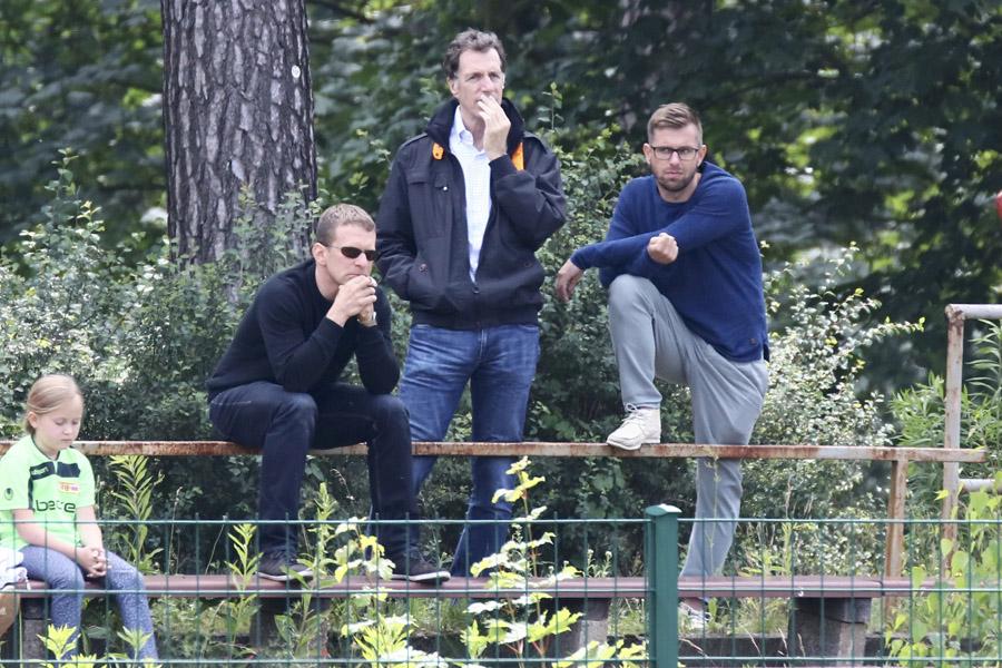 Lutz Munack, Helmut Schulte und Sebastian Boenig beobachten das spiel 1. FC Union gegen JFV Nordwest U19 -A-Jugendliche - Relegationsspiel