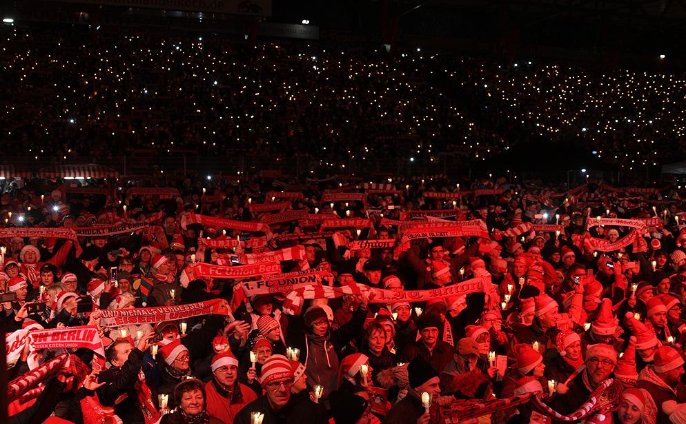 Weihnachtssingen beim 1. FC Union Berlin im Stadion an der Alten Försterei, Foto: Tobi/unveu.de