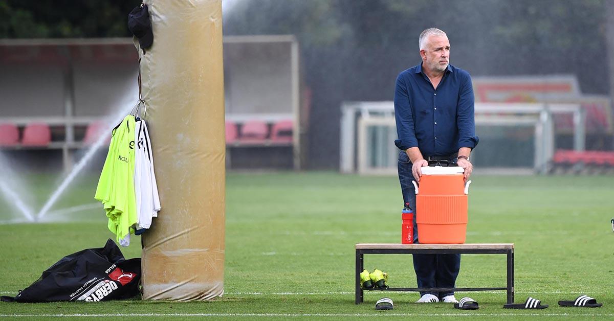 Dirk Zingler, Präsident des 1. FC Union auf dem Trainingsplatz