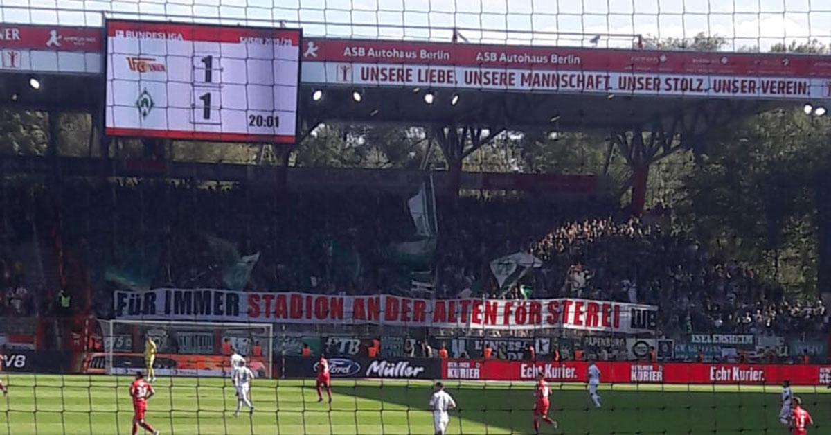 """Banner der Bremer Fans """"Für immer Stadion an der Alten Försterei"""""""