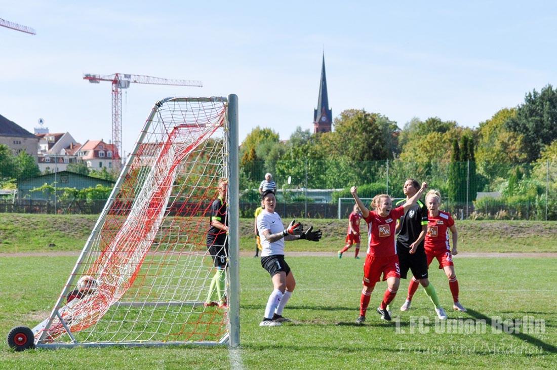 Lisa Heiseler erzielt ein Tor für den 1. FC Union Berlin bei Phoenix Leipzig