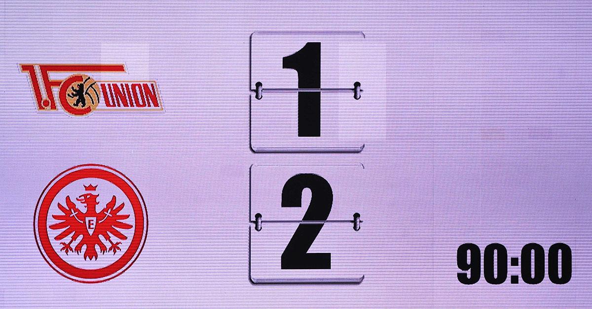 Ergebnis des Spiels 1. FC Union Berlin gegen Eintracht Frankfurt auf der Anzeigetafel
