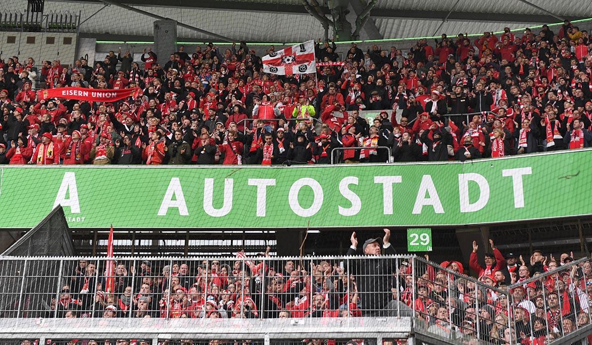Der Gästeblock des 1. FC Union Berlin im Stadion des VfL Wolfsburg, Foto: Matze Koch