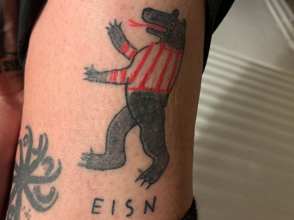Geros Aufstiegs-Tattoo