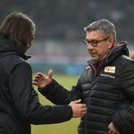 Die Trainer Urs Fischer und Martin Schmidt begrüßen sich