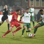 Marcus Ingvartsen versucht den Ball zu erobern