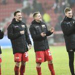 Sebastian Andersson, Christian Gentner, Felix Kroos und Moritz Nicolas bedanken sich bei den Fans für den Support