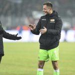 Anthony Ujah und Rafal Gikiewicz freuen sich über das 2:0 gegen den FC Augsburg