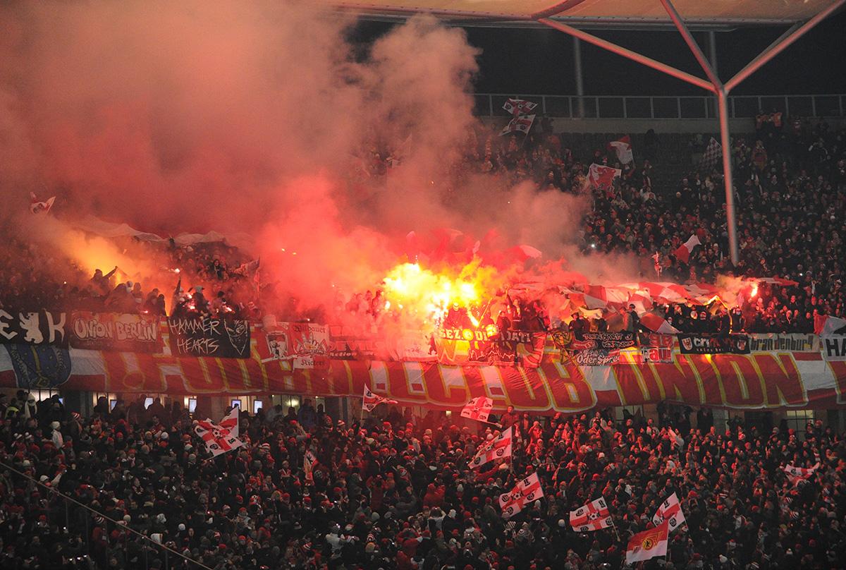Der Union-Block beim letzten Berliner Derby 2013 im Olympiastadion gegen Hertha BSC , Foto: Matze Koch