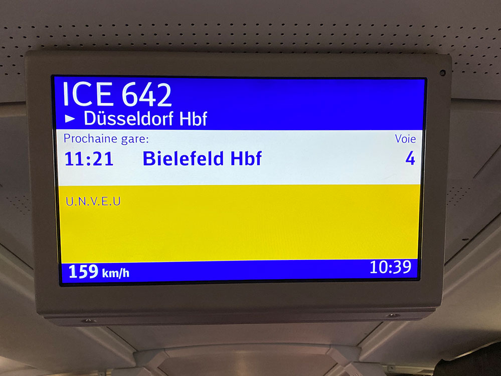 Deutsche Bahn grüßt im ICE nach Dortmund mit u.n.v.e.u., Foto: Tim Pritlove