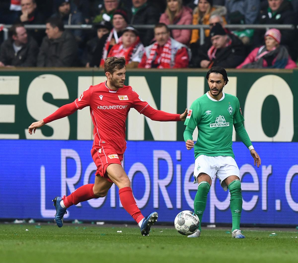 Christopher Lenz vom 1. FC Union Berlin und Leonardo Bittencourt duellierten sich intensiv