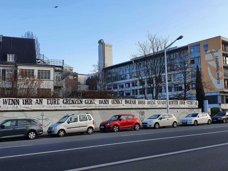 """Block 1898 supported in Darmstadt ein Krankenhaus: """"Wenn ihr an eure Grenzen geht, denkt daran, dass diese Stadt hinter euch steht!"""""""