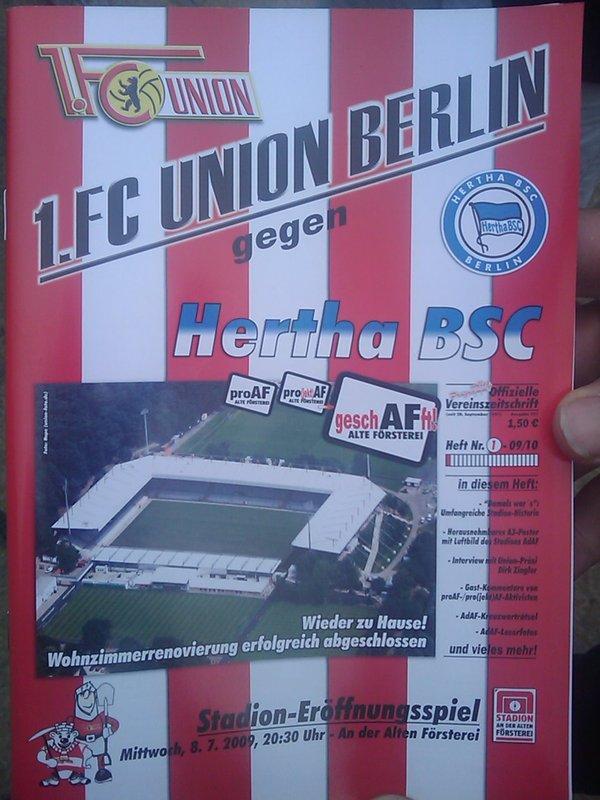 Programmheft zur Stadioneröffnung gegen Hertha BSC 2009, Foto: Sebastian Fiebrig