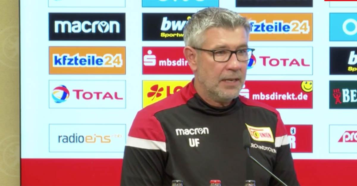 Urs Fischer auf der Pressekonferenz vor dem Berliner Derby gegen Hertha BSC, Foto via AFTV