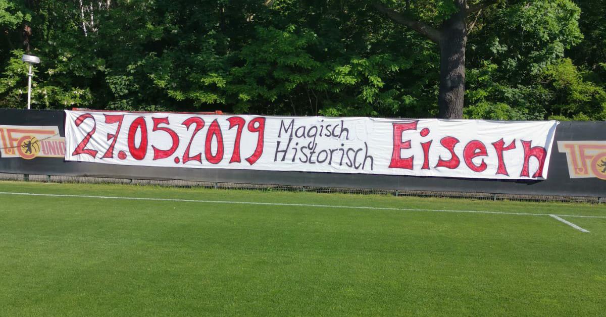 Banner der Wildauer Kickers aktuell am Trainingsplatz, Foto: Wildauer Kickers