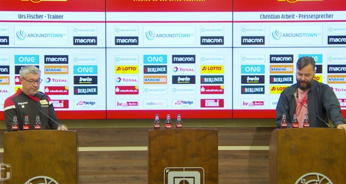 Trainer Urs Fischer und Pressesprecher Christian Arbeit beim Beantworten der Medienfragen, Screenshot: AFTV