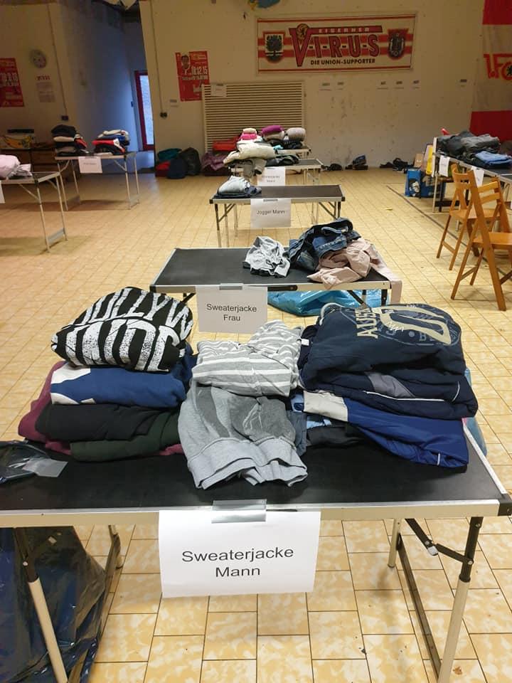 Sortieren der Spenden, Foto: FuMA
