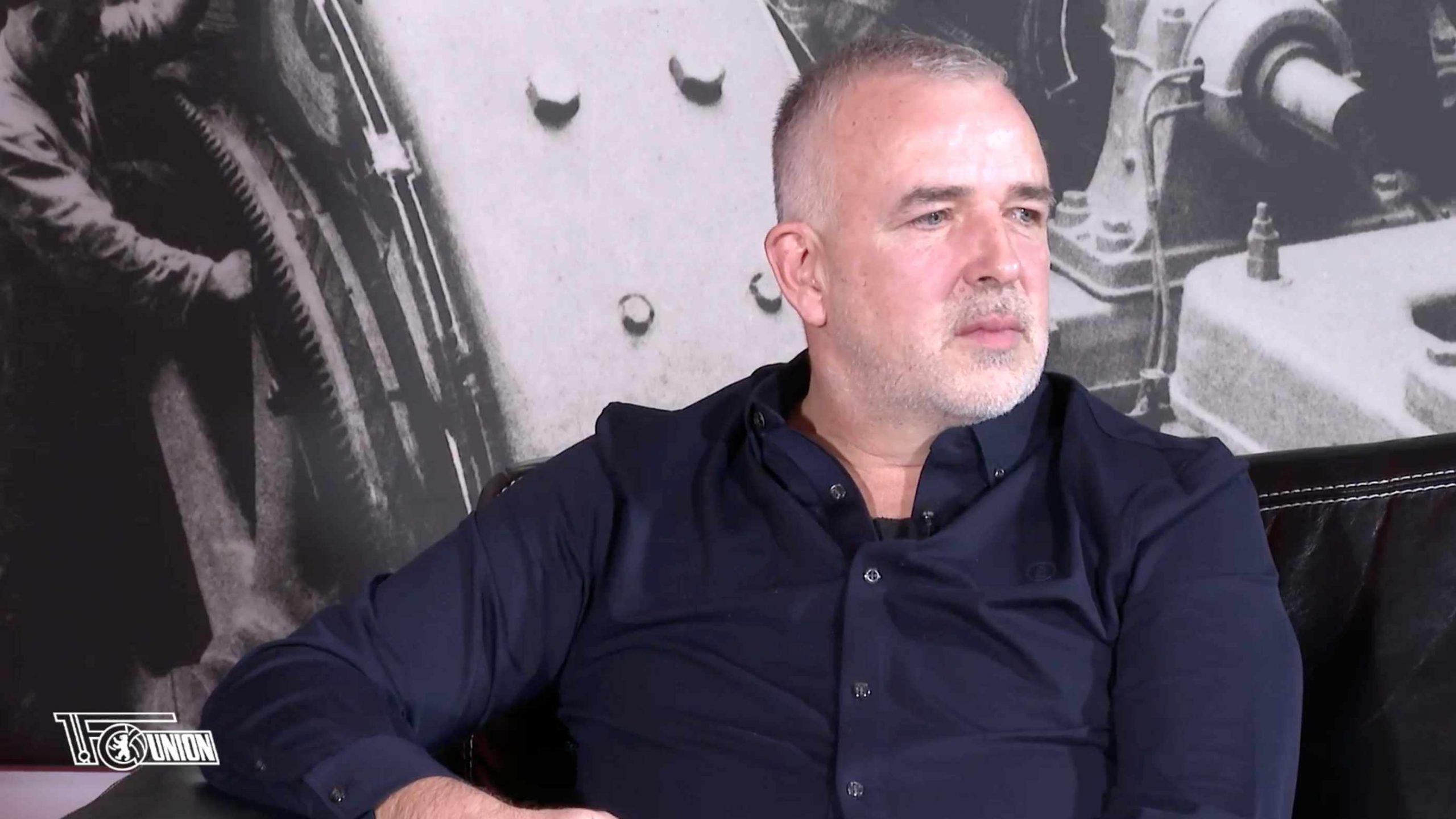 Dirk Zingler nach dem Betrachten der Zuschauerbilder aus der Vor-Corona-Zeit, Screenshot: AFTV