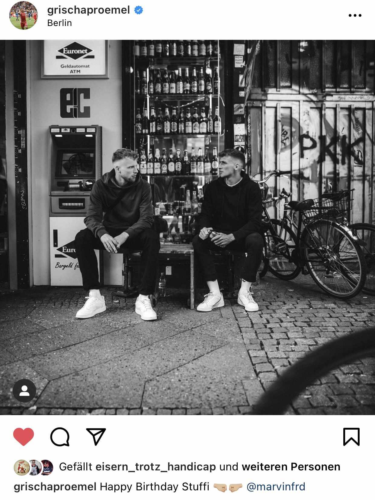 Marvin Friedrich und Grischa Prömel stilecht vorm Späti, Instagram @grischaproemel