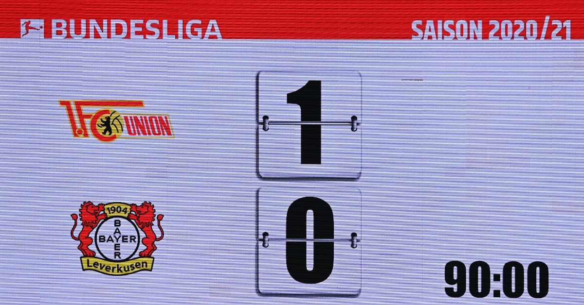 1. FC Union Berlin - Bayer Leverkusen: Anzeigetafel mit 1:0-Endstand, Foto: Matze Koch