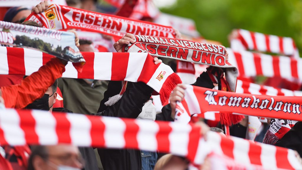 Union Berlin Fans im Stadion