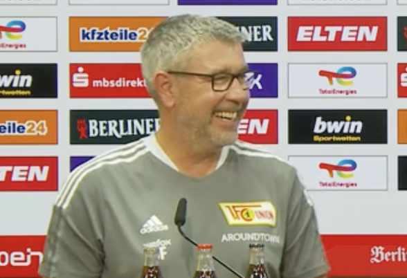 Urs Fischer sagt in der Pressekonferenz, dass Messi keine Chance gegen Max Kruse hätte, Bild via AFTV