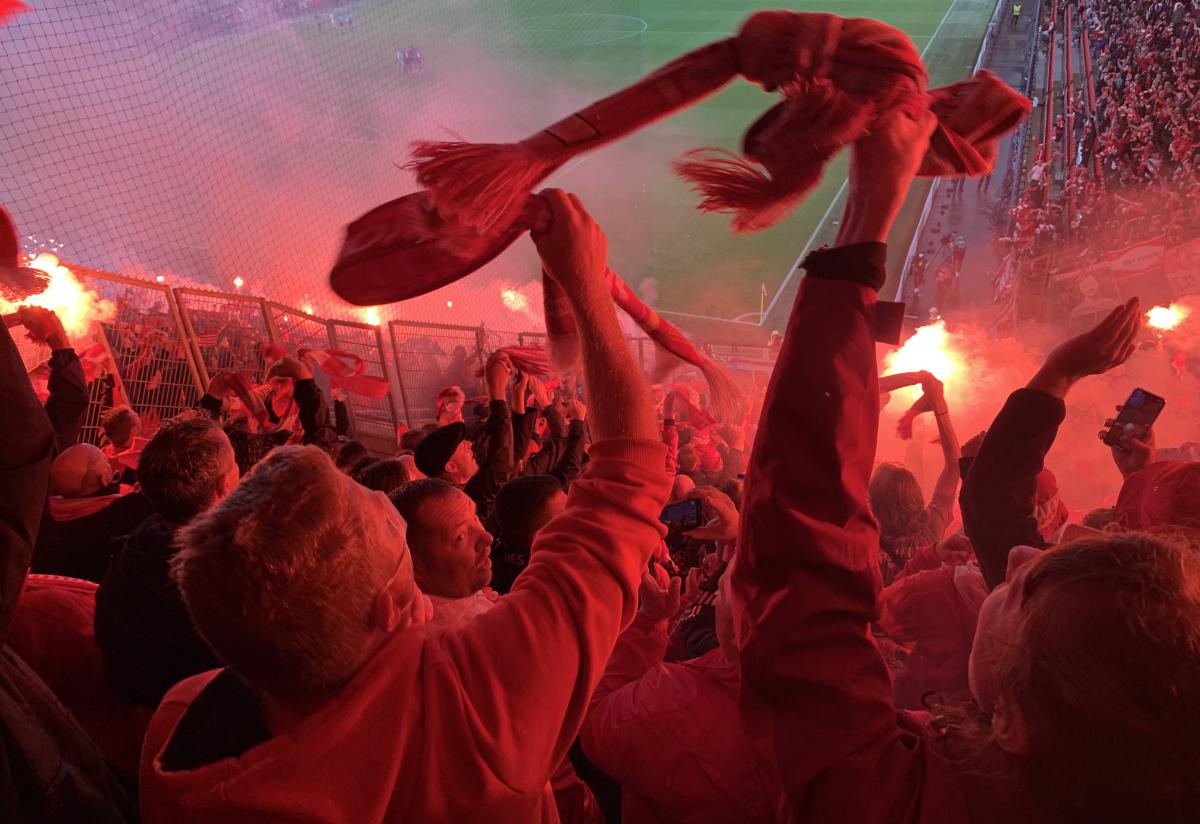 Fußball, wie er wieder sein soll, konnten wir in Prag erleben, Foto: Sebastian Fiebrig